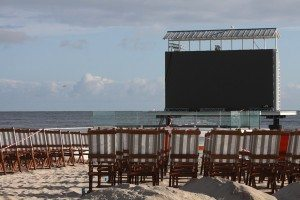 projection-screen-beach-chairs