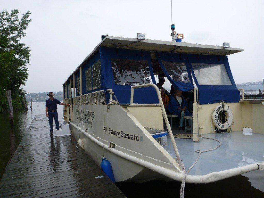 Estuary Steward, tour boat to Bannerman Island