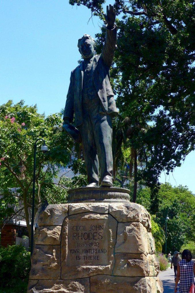 Rhodes-statue-Capetown