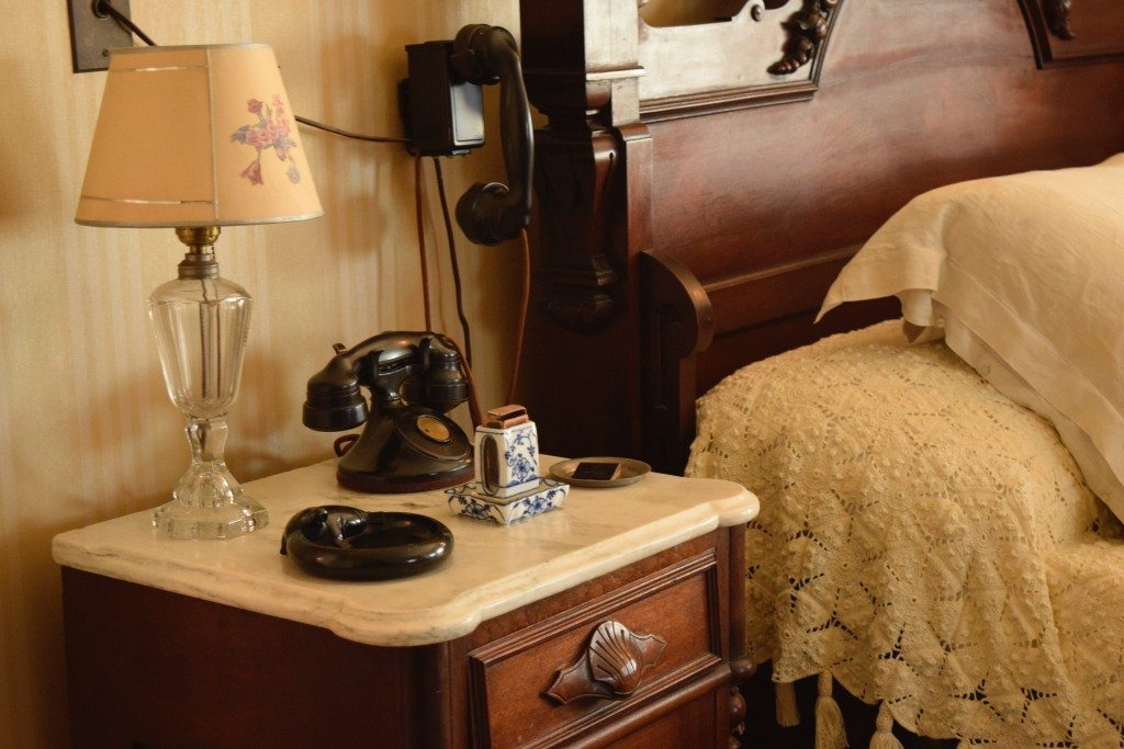 Roosevelt-bedroom-telephone